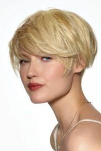 Coupe cheveux carré femme