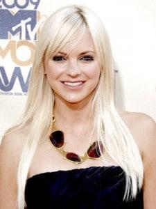 Cheveux longs blonds