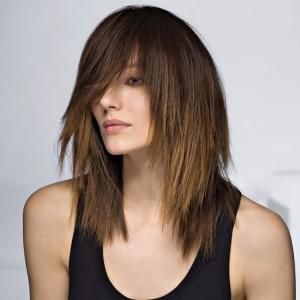 coupe cheveux mi-long femme