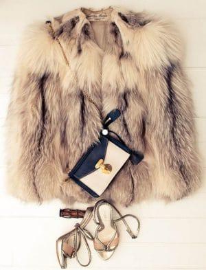 Quel sac porter avec un manteau de fourrure?