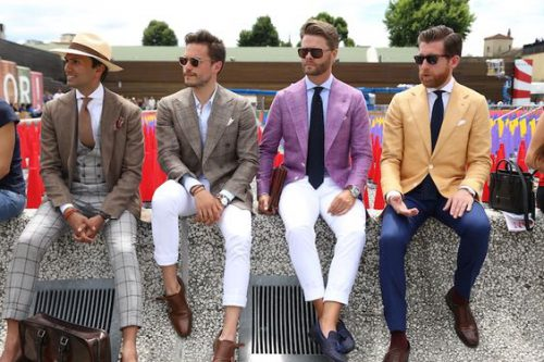 Mode homme : est-il légal de porter des chaussures sans chaussettes ?
