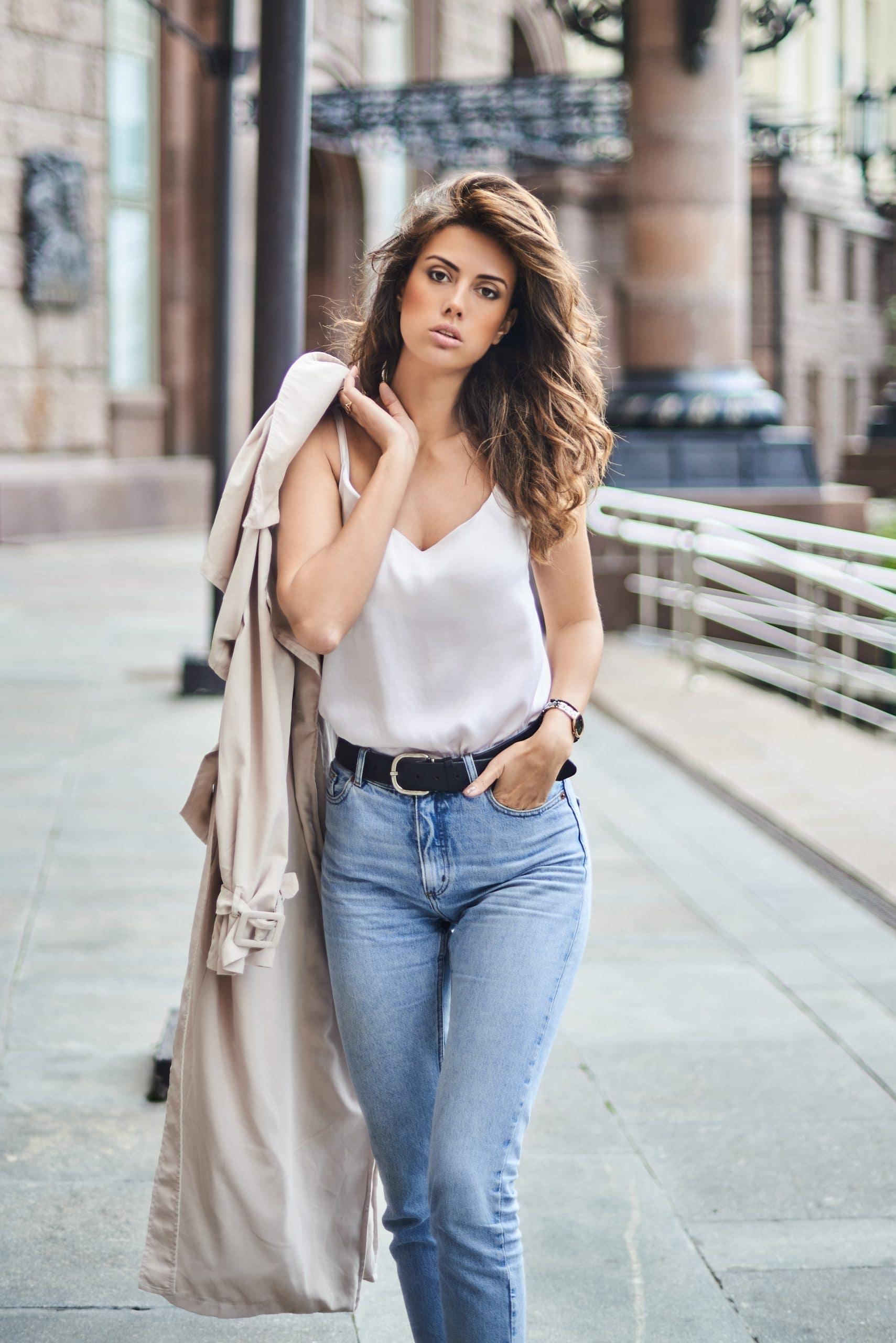 Mode femme : comment porter le jean taille haute ?